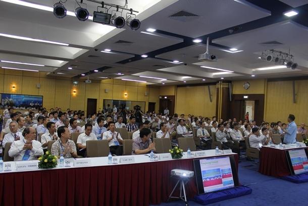 """Đại biểu tham dự Hội thảo: """"Tiết kiệm năng lượng - Những vấn đề cấp bách"""""""