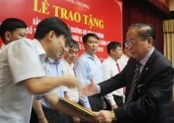 Bộ Công Thương trao bằng khen cho các đơn vị thuộc VEA