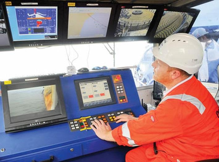 Đóng điện thành công tuyến cáp ngầm xuyên biển ra đảo Nhơn Châu