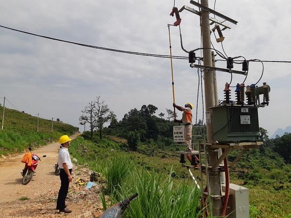 Điện lưới quốc gia về xóm Cốc Phát (Cao Bằng)