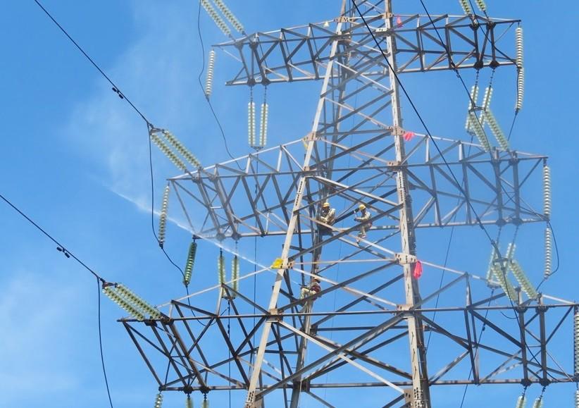 Công nghệ tiên tiến và giải pháp số hóa trong vận hành lưới điện truyền tải Việt Nam