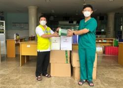 EVNGENCO 3 tặng thiết bị y tế cho Bệnh viện điều trị Covid-19 huyện Củ Chi