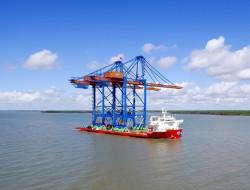 Doosan Vina tiếp tục bàn giao 2 cẩu trục STS cho cảng quốc tế Gemalink
