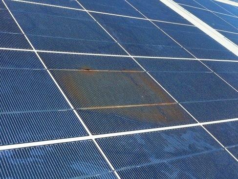 Ảnh hưởng của môi trường có sương muối và độ ẩm cao đối với hệ thống điện mặt trời
