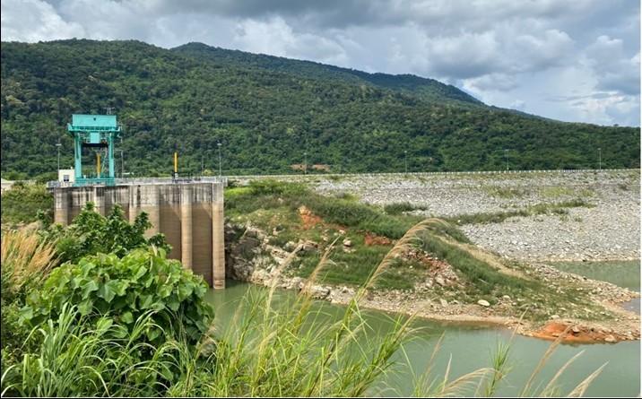 Hạn giữa mùa mưa, Thủy điện Buôn Kuốp nỗ lực vận hành và cấp nước cho hạ du