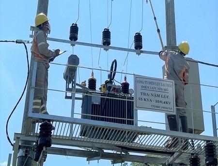 Thêm 117 hộ dân bản Nậm Lúc (Lai Châu) có điện lưới quốc gia