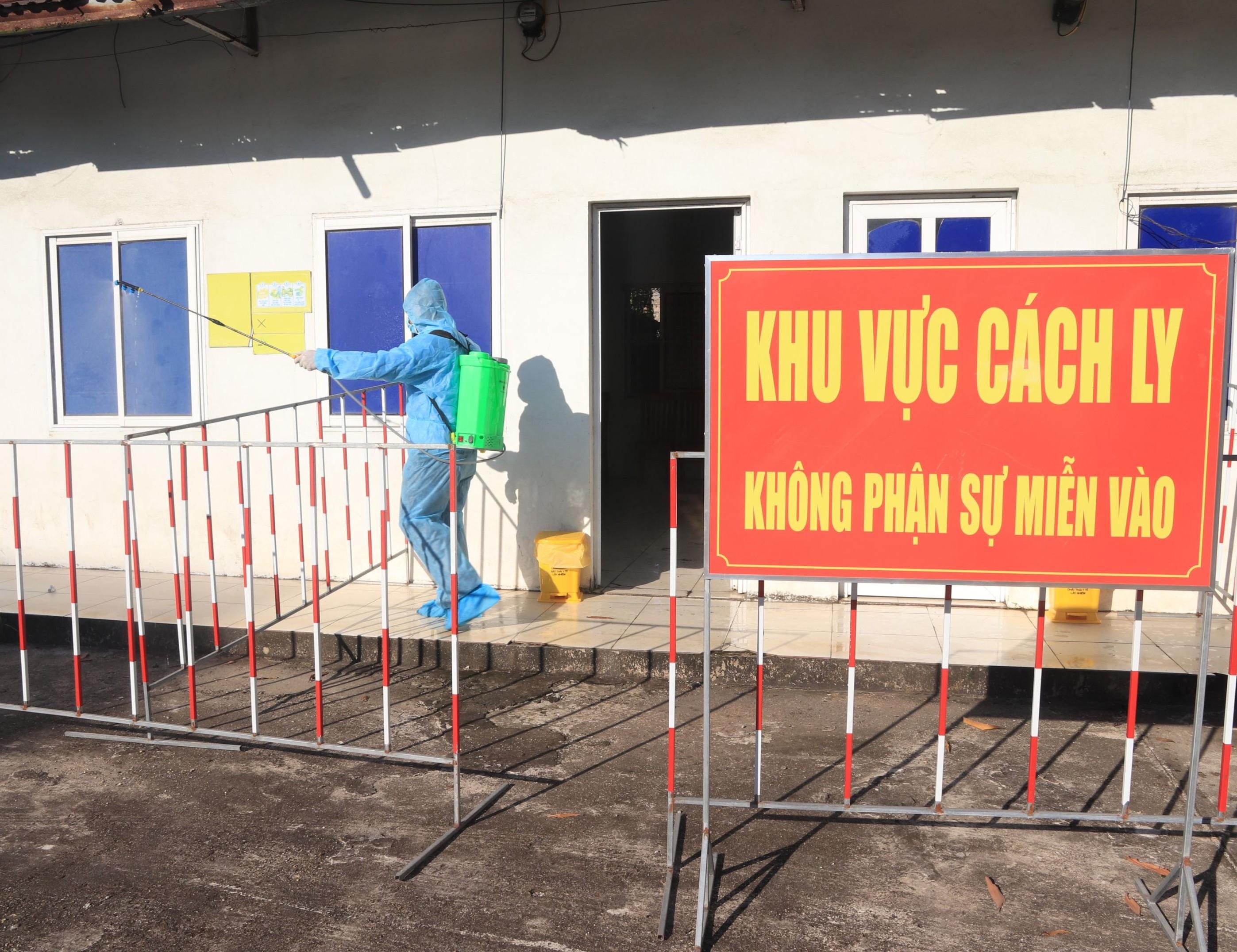 Nhiệt điện Mông Dương diễn tập tình huống có người mắc Covid1-19