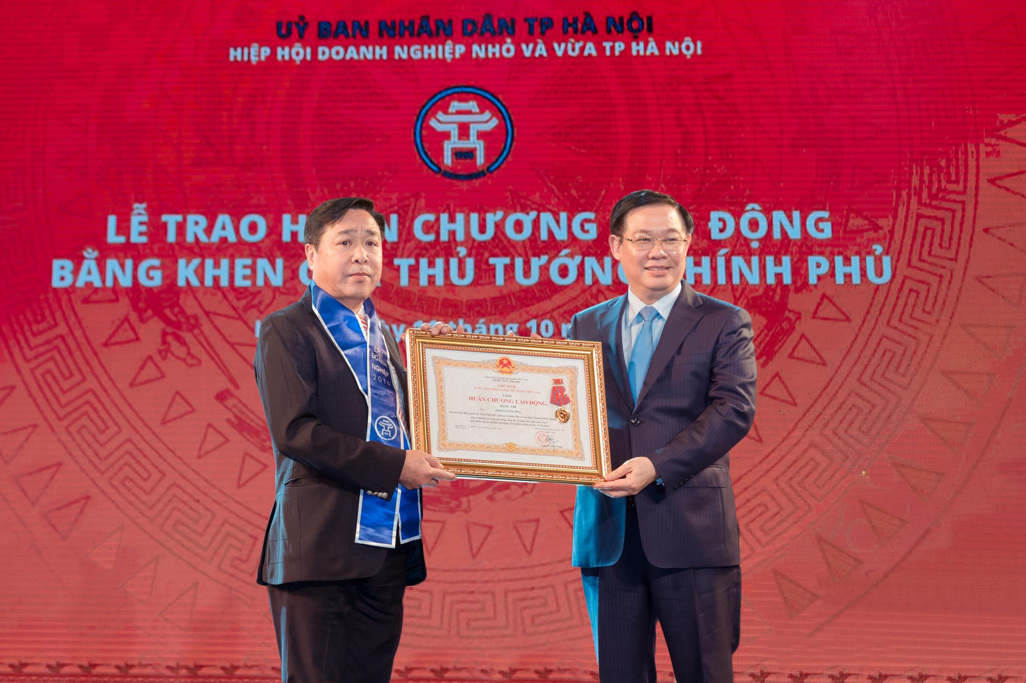 Doanh nhân Phạm Lương Hòa – CTHĐQT/Tổng giám đốc CADI-SUN vinh dự đón nhận Huân chương Lao động hạng Nhì của Chủ tịch nước