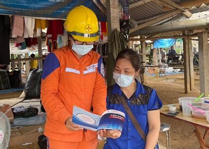 Điện lực Yên Sơn nâng cao nhận thức an toàn, tiết kiệm điện cho người dân
