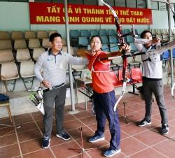 Cung thủ của Doosan đào tạo cho đội tuyển bắn cung Việt Nam