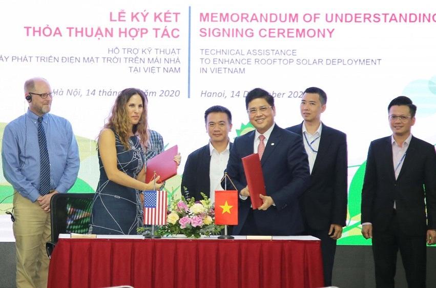 Hoa Kỳ hỗ trợ Việt Nam phát triển điện mặt trời mái nhà