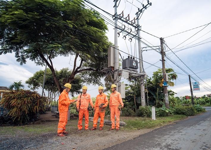 EVNNPC lên kế hoạch đảm bảo điện dịp lễ Noel và tết