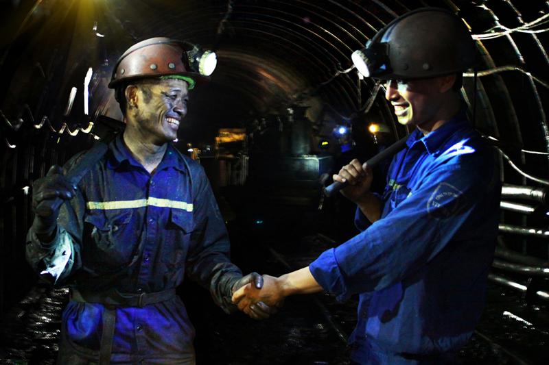 TKV tiếp tục thực hiện lộ trình tăng lương cho người lao động