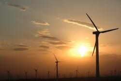 Thủ tướng quyết định 'giá trần' điện gió nhập khẩu từ Lào