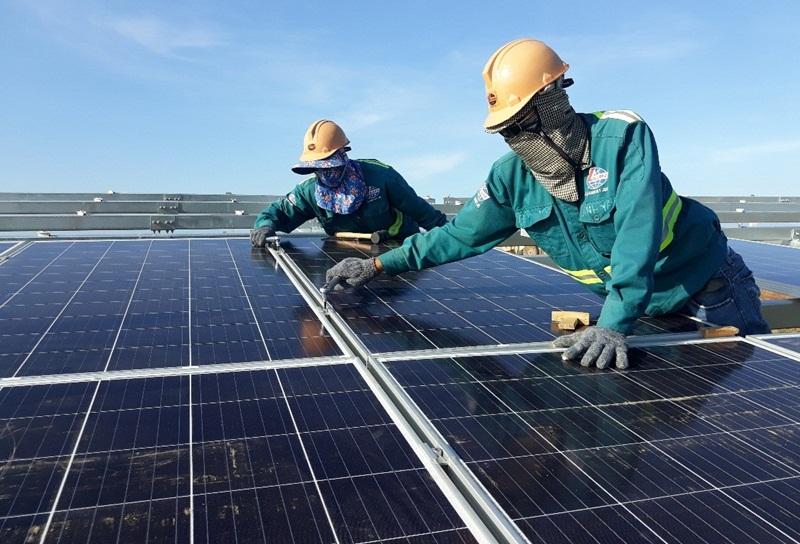 Nghịch lý điện mặt trời: Dùng không hết phải trả tiền (?)