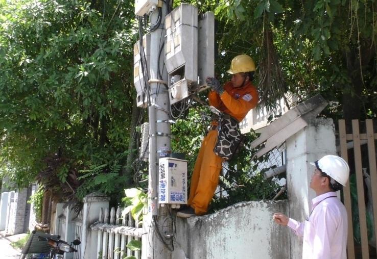 Kiểm tra ngẫu nhiên 300 công tơ điện ở Đà Nẵng