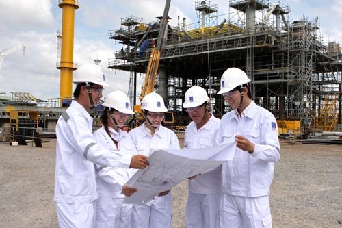 Phát triển con người là yếu tố then chốt trong hoạt động dầu khí