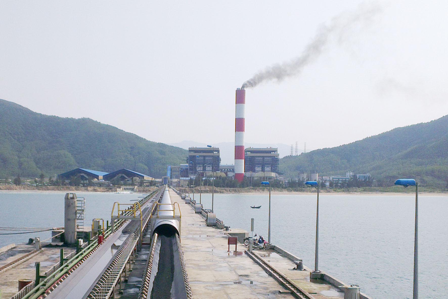 """Giá than đang làm """"khó"""" các nhà máy nhiệt điện?"""