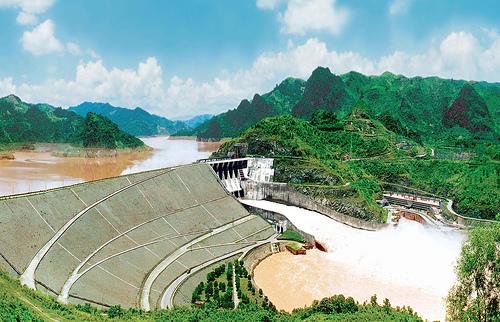 Thủy điện Hòa Bình sản xuất gần 5,6 tỷ kWh trong 7 tháng đầu năm