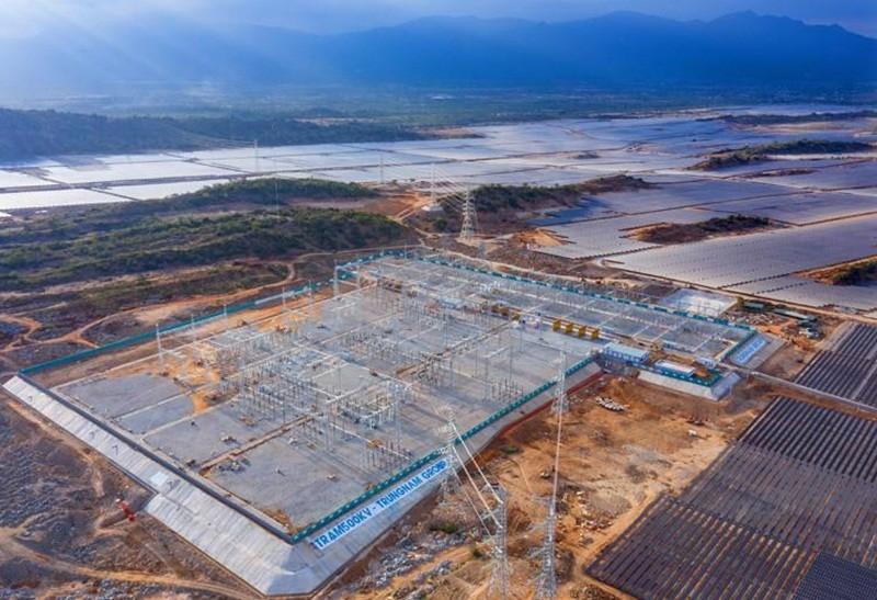 Sáu nhóm giải pháp đầu tư lưới truyền tải tích hợp nguồn năng lượng tái tạo ở Việt Nam
