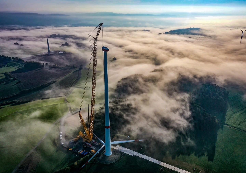 Việt Nam nên tham khảo những gì từ quốc tế trong phát triển năng lượng tái tạo?