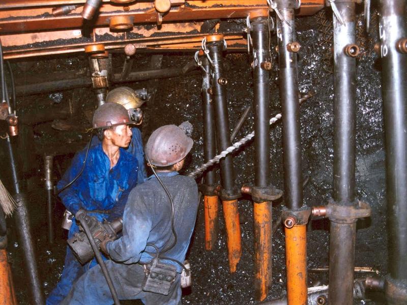 Cần đẩy mạnh áp dụng tiến bộ khoa học kỹ thuật và công nghệ  trong quản lý, khai thác than